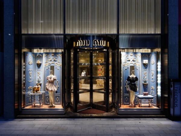 In 2011, the brand opens a three-story, 500 square metre store in the middle of the world's most exclusive luxury district: Ginza, Tokyo. Crystal, damask backdrops and visual references to old bank vaults add visual appeal to the decadent boutique.