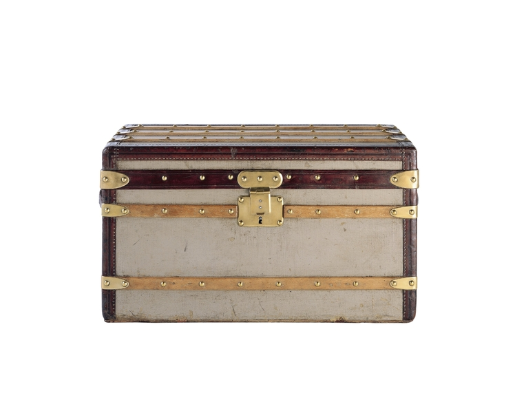 The revolutionary flat trunk in Trianon gray that Louis presented in 1858 was the first luggage of the modern era - its flat shape enabled it to be stacked in a train's baggage car or in the hold of a ship, and its poplar (wood) frame was covered in canvas