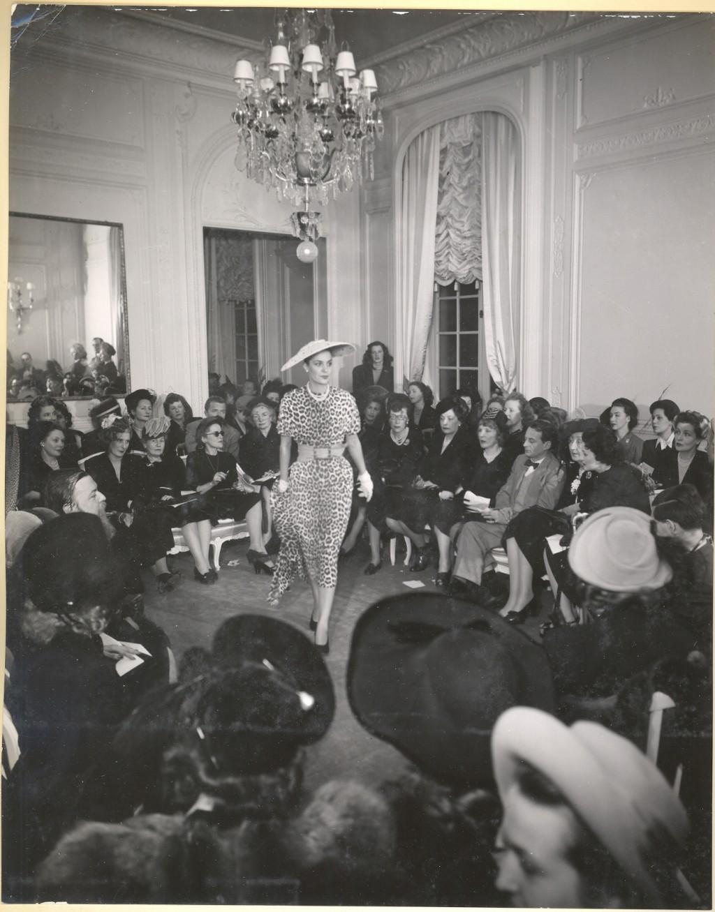 DEFILE AVENUE MONTAIGNE Dior Presentation
