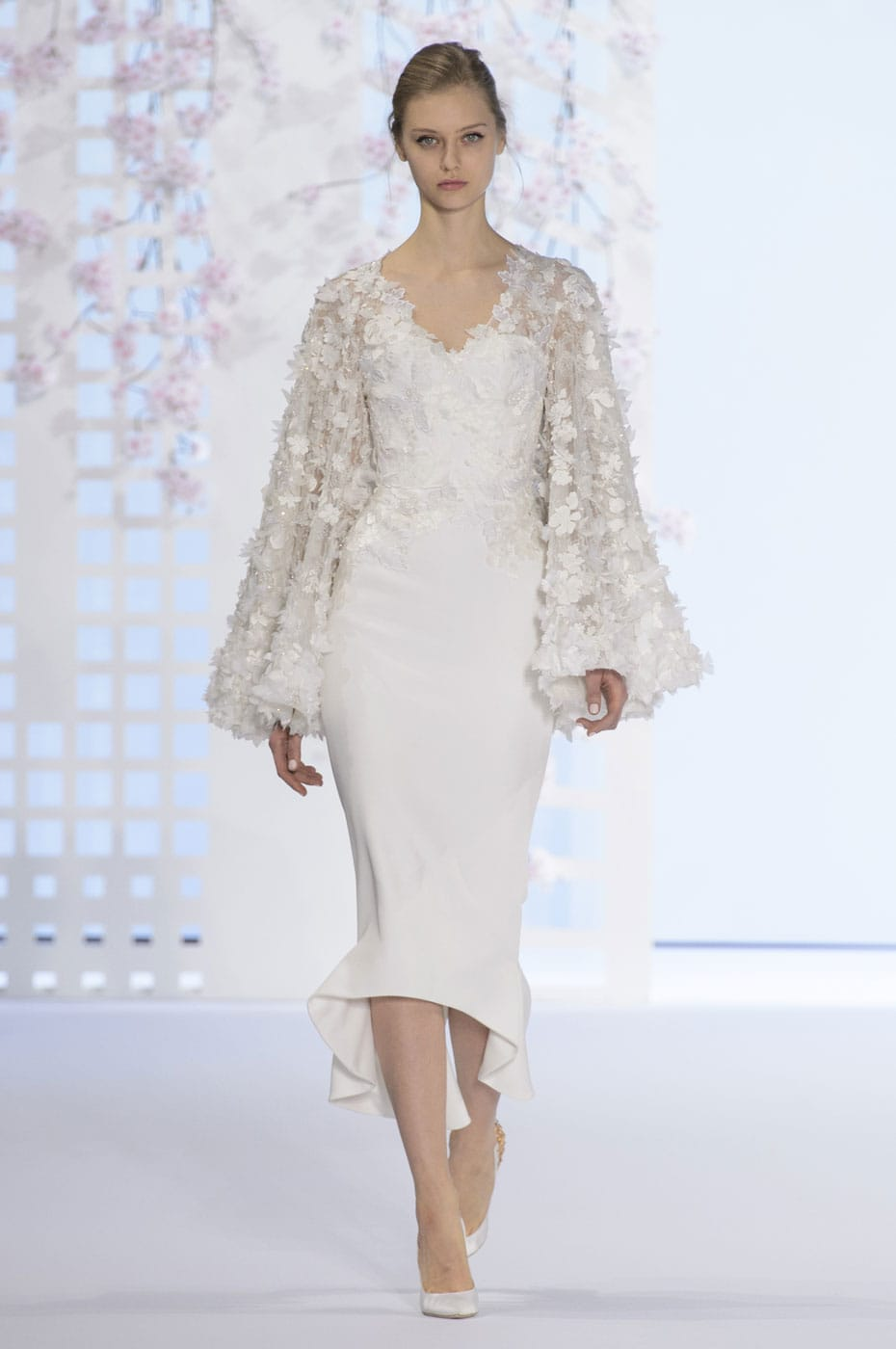 Ralph russo inspire envy with spring 2016 couture for Ralph and russo wedding dress
