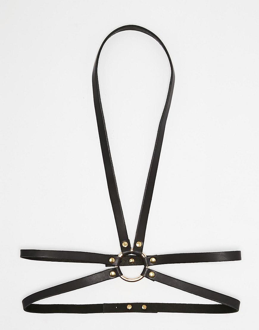 Gigi Hadid Wears 3 On-Trend Accessories in One Look
