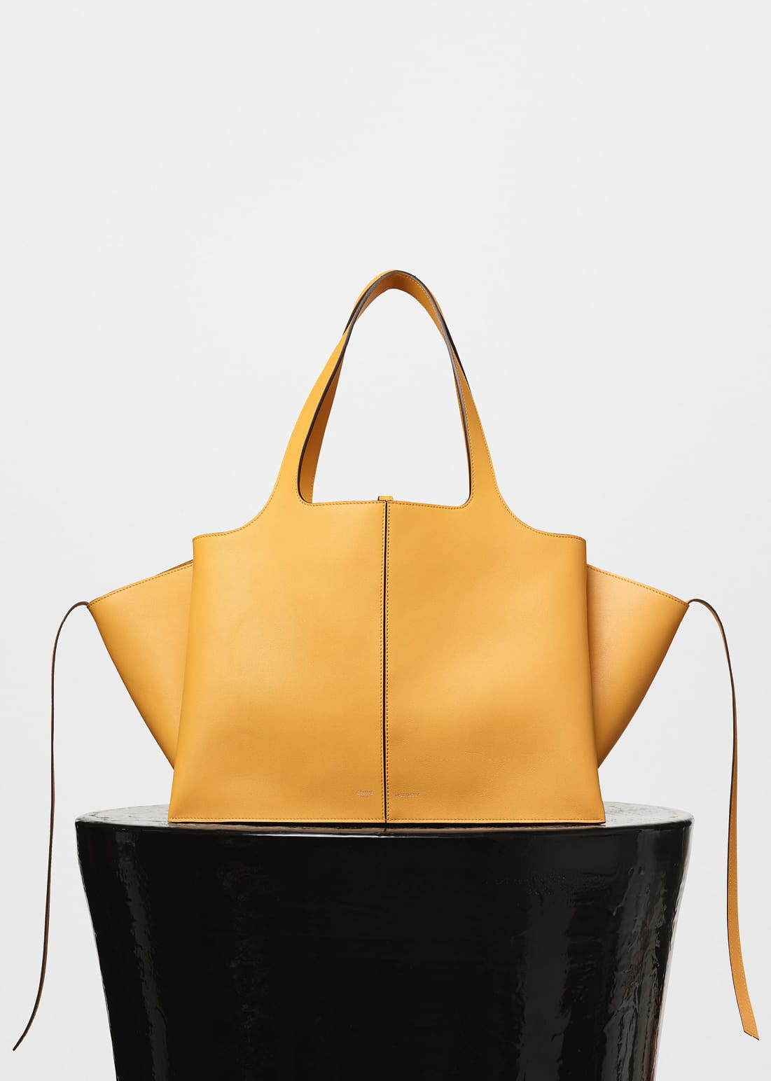 85ffca7b95af Discover Céline s New Must-Have  Tri-Fold  Bag - Savoir Flair