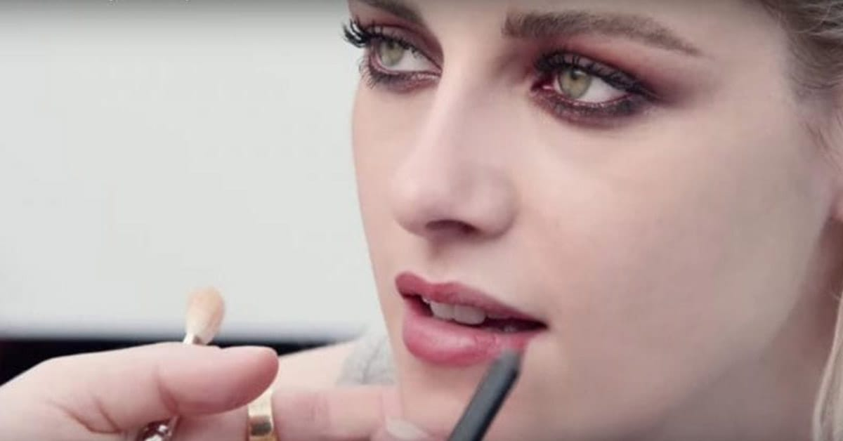 watch chanel transform kristen stewart with red makeup savoir flair. Black Bedroom Furniture Sets. Home Design Ideas