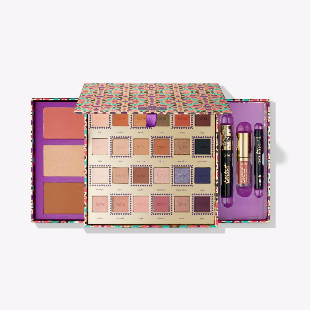 5 All-in-One Makeup Kits That Beauty Buffs Swear By