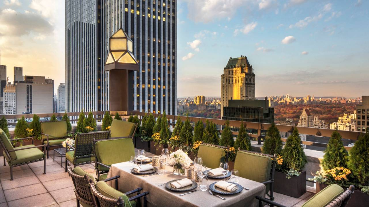 A Review Of The Iconic Four Seasons New York Hotel Savoir Flair
