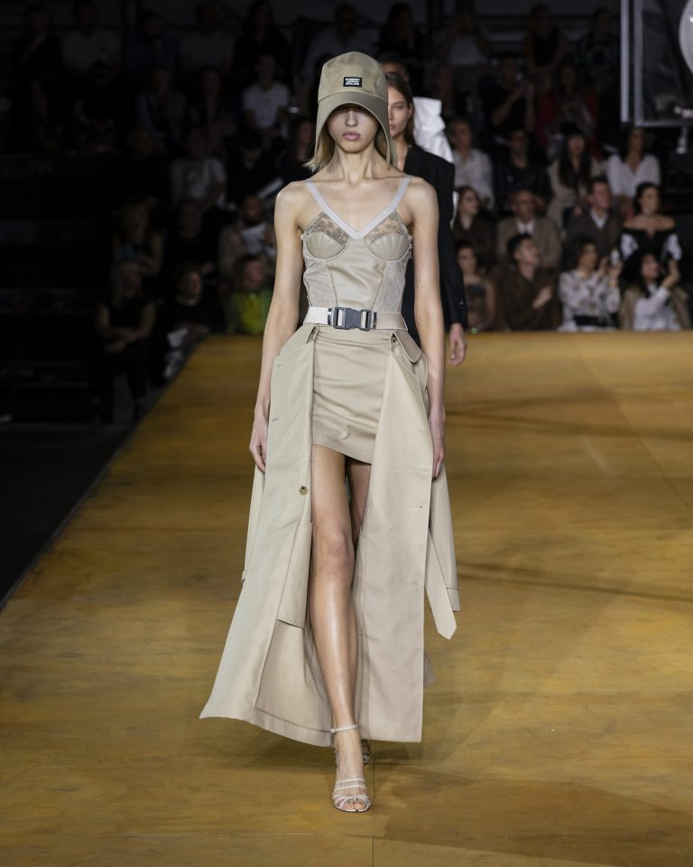 2019 2020 Wedding Trends You Ll Want To Follow: Savoir Flair Reviews Burberry Spring/Summer 2020